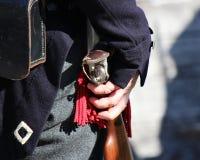 солдат 1800 ` s с мушкетом Стоковая Фотография RF