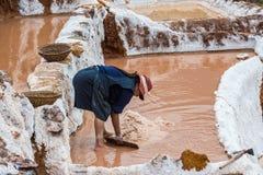 Солевые рудники перуанские Анды Cuzco Перу Maras Стоковая Фотография RF