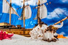 Солнечная и красочная тема лета, праздников Стоковое фото RF