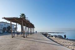 Солнечная трасса велосипеда вдоль среднеземноморского Стоковое Изображение