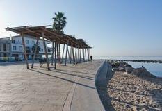 Солнечная трасса велосипеда вдоль среднеземноморского Стоковая Фотография RF