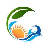 Солнечное море и зеленый логотип жизни Стоковое Изображение RF
