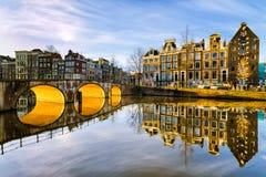 Солнечное утро в Амстердаме, Нидерланды Стоковые Изображения