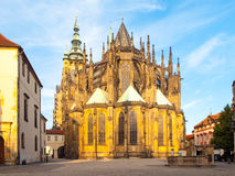 Солнечное утро на соборе Vitus Святого, замок Праги, Прага, чехия стоковая фотография