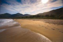Солнечность в белом пляже Стоковая Фотография RF