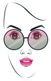 Солнечные очки девушки нося Стоковое Фото