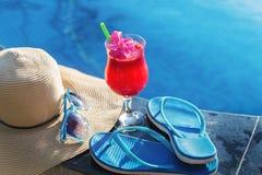 Солнечные очки стекла питья smoothie сока арбуза Стоковое Изображение RF