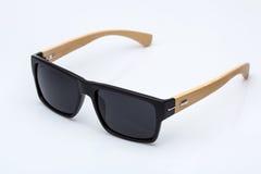 Солнечные очки с деревянными частями Стоковая Фотография RF