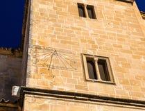 Солнечные часы на церков Сальвадора в Ubeda, Испании стоковое изображение rf