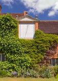 Солнечные часы, дом Packwood, Уорикшир, Англия стоковые фото