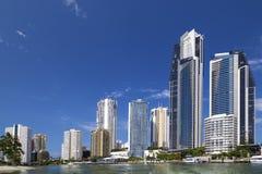 Солнечный взгляд рая серферов на Gold Coast Стоковые Фотографии RF