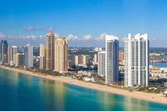 Солнечный вид с воздуха пляжа островов стоковые изображения