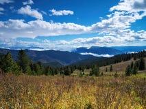 Солнечный день в горах Стоковое фото RF