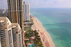 Солнечный пляж Майами островов Резиденции фронта океана Стоковые Изображения RF