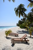Солнечный пляж Мальдивы Стоковое Изображение