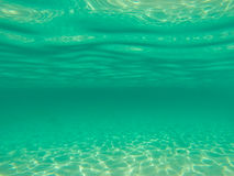 Солнечный свет от подводной предпосылки моря Стоковая Фотография