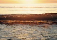 Солнечный свет через волну Стоковая Фотография RF