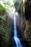 Солнечный луч на водопаде Стоковое Фото