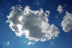 Солнце вытекло от облака стоковые изображения rf