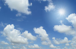 Солнце и облака Стоковое Изображение RF
