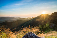 Солнце на горе Стоковое Фото