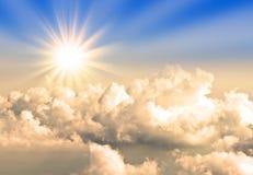 Солнце над облаком Стоковое Фото