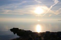 Солнце отразило в море на штилях на море Стоковые Фотографии RF