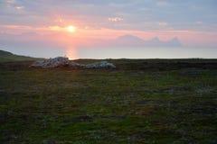 Солнце установило в горы Стоковые Изображения RF