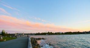 Солнце установило рекой Стоковые Фотографии RF