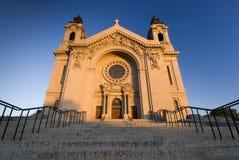 Солнце утра на соборе St Paul. St Paul, Минесота, США стоковые фото