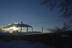 Солнце через дым стоковые изображения rf
