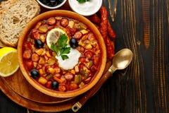 Солянка - русский традиционный суп мяса Стоковое Изображение