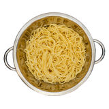 Спагетти в дуршлаге для макаронных изделий Стоковая Фотография