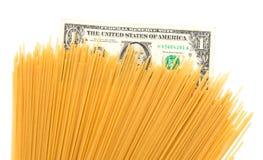 Спагетти доллара на белой предпосылке Стоковые Фото