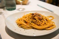 Спагетти и мальчишка Стоковые Фотографии RF