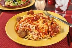 Спагетти и фрикадельки стоковая фотография