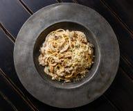 Спагетти макаронных изделий с грибами Porcini стоковые изображения
