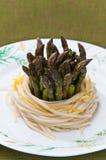 спагетти макаронных изделия спаржи Стоковое Изображение