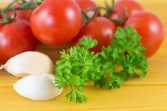 Спагетти макаронных изделий с томатами Стоковые Изображения RF