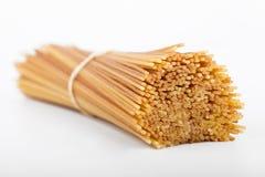 спагетти пачки uncooked Стоковые Изображения