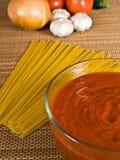 спагетти соуса ингридиентов Стоковые Изображения RF