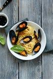 Спагетти с мидиями моря Стоковая Фотография