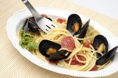 Спагетти с мидиями Стоковая Фотография