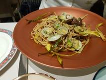 Спагетти с плодами моря стоковое изображение rf