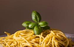 Спагетти с Pesto стоковое фото rf