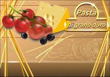 Спагетти, томаты вишни, оливки и сыр Стоковая Фотография