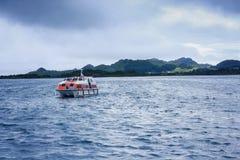 Спасательная шлюпка круиза плавая Атлантический океан Стоковые Изображения
