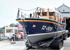 Спасательная шлюпка 12-009 HRH RNLI принцесса королевское на дисплее на St Ives Корнуолле Англии Стоковое Изображение