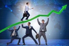 Спасение бизнесмена поддерживая от экономического кризиса Стоковая Фотография RF