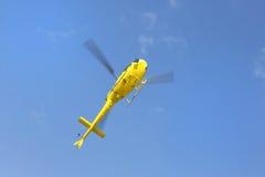 Спасение вертолета, вертолет в воздухе пока летающ Стоковые Изображения RF
